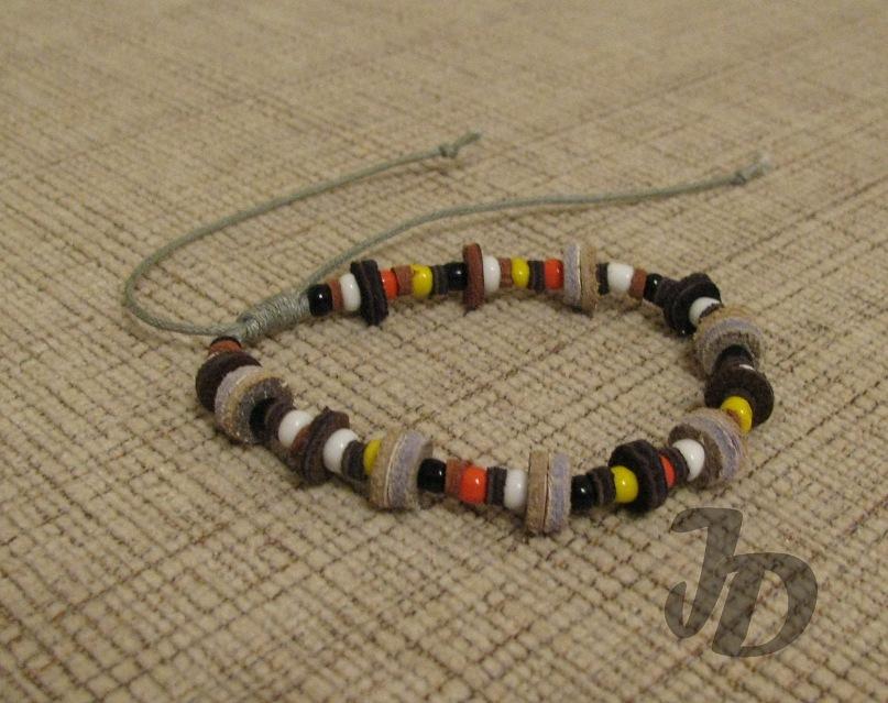 Кожаный браслет №37 - кожа, бисер, вощёный шнур
