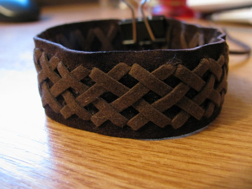 Браслет из кожи №27 - замша, декоративный шнур,браслет, хэнд мэйд