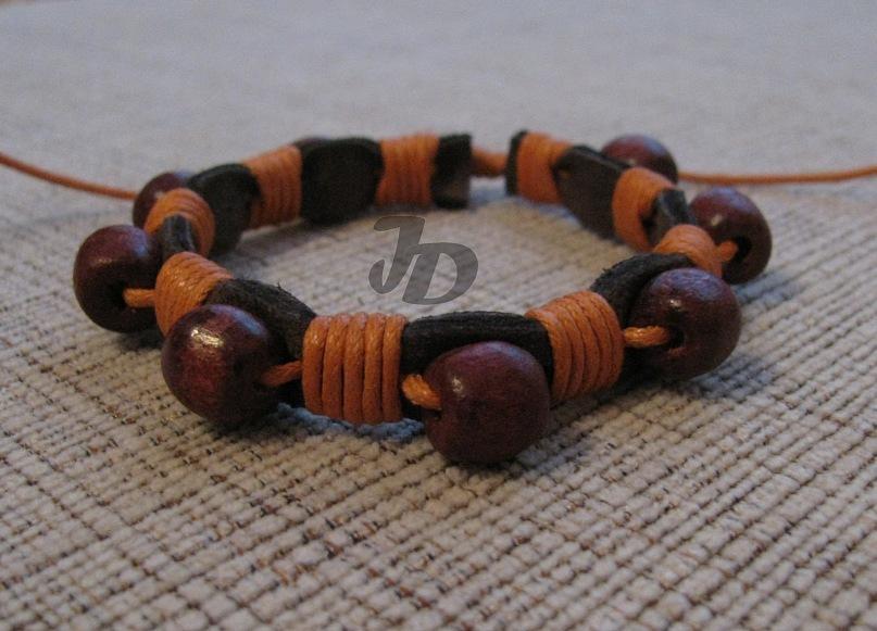 Кожаный браслет №50 - кожа, дерево, вощёный шнур