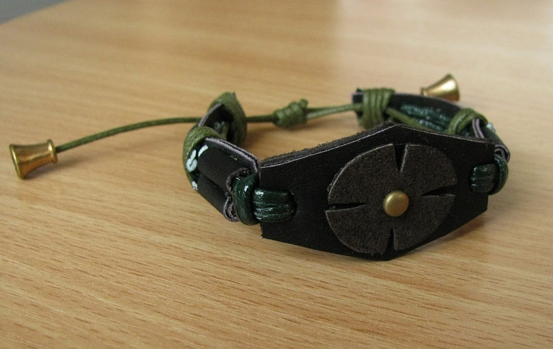 Кожаный браслет №2,  кожа, декоративный шнур.