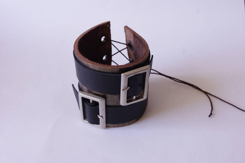 №125. Кожаный браслет на шнуровке