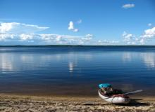 Наша байдарка на озере Нюк